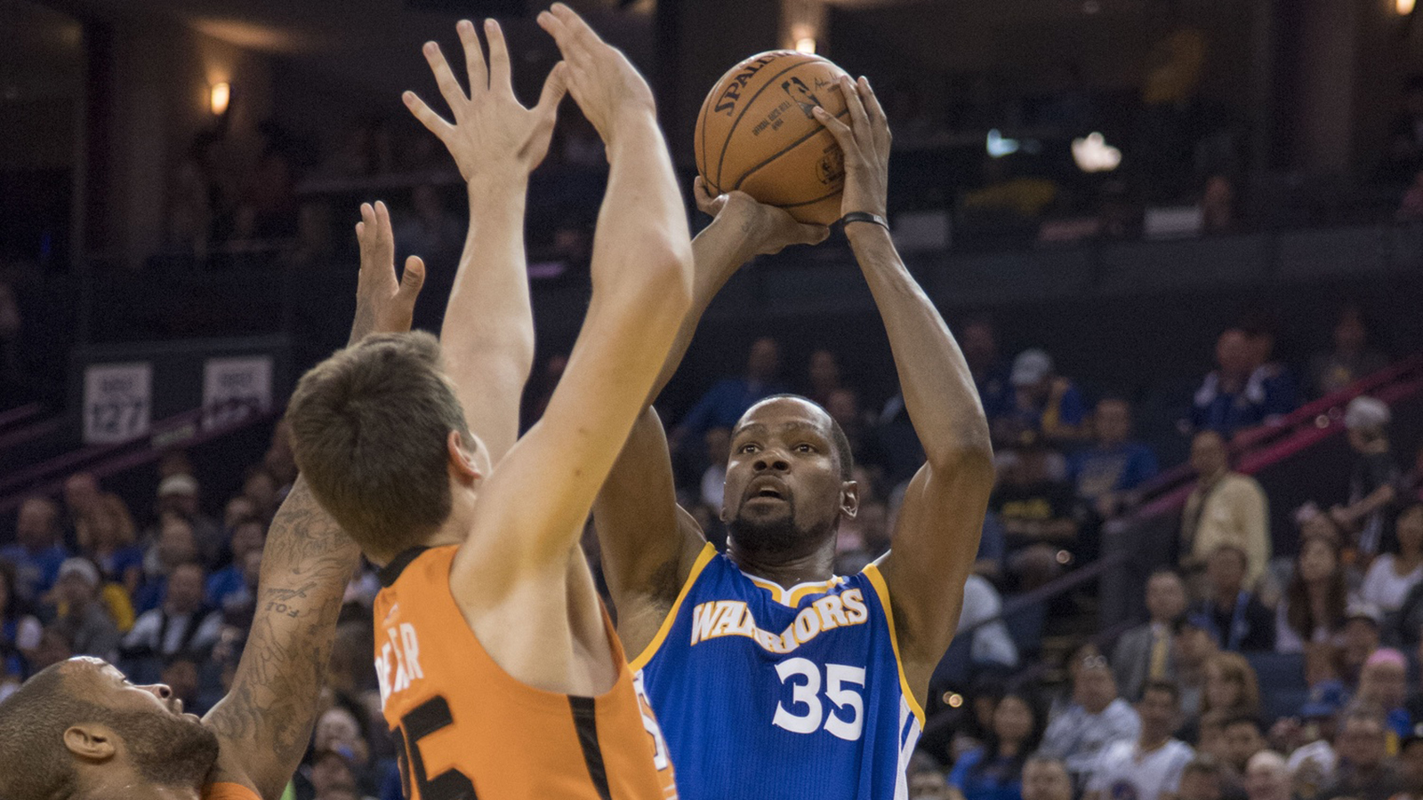 Suns again challenge Warriors but fade late