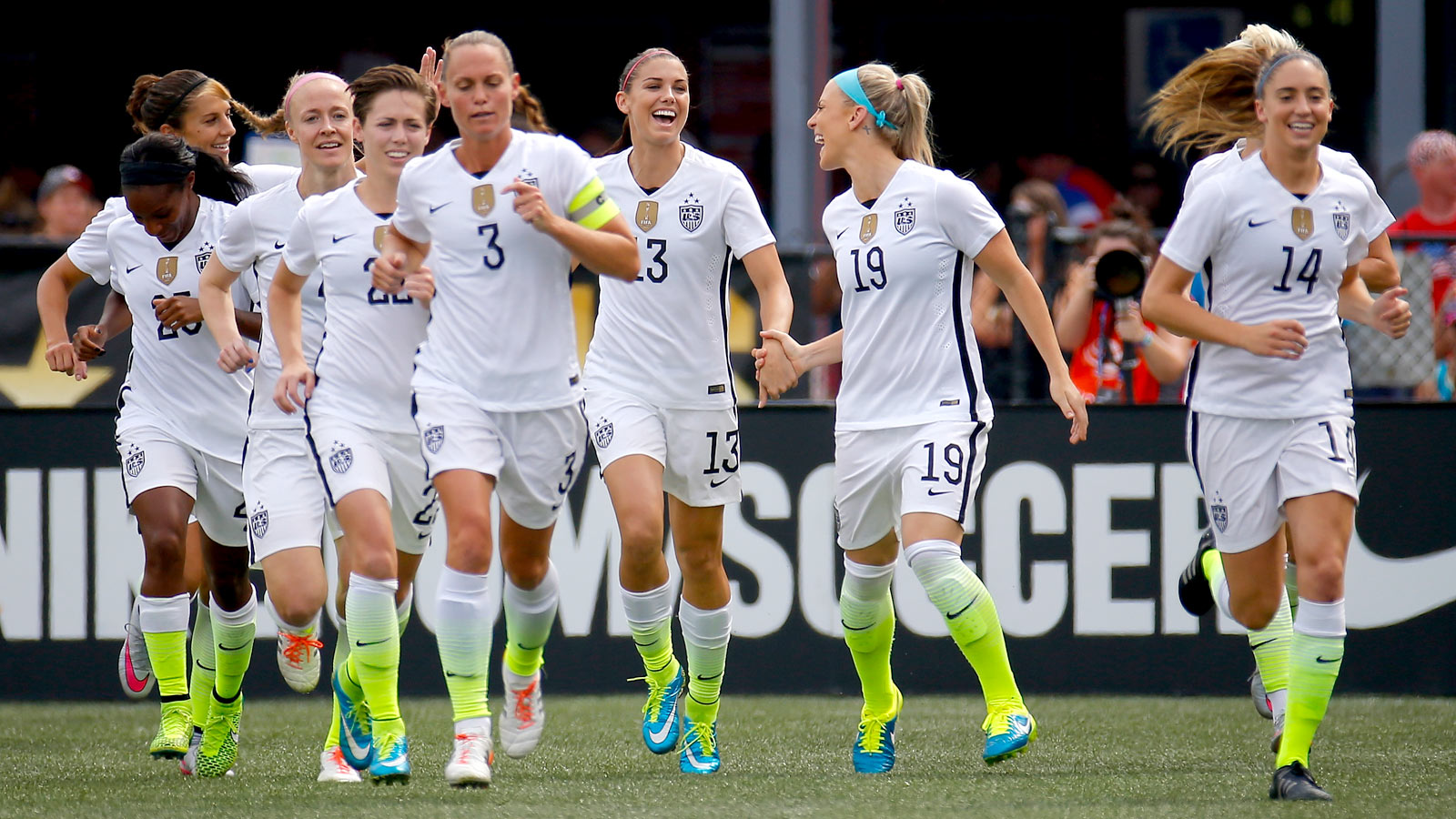 Carli Lloyd hits another hat trick as USWNT hammers Haiti