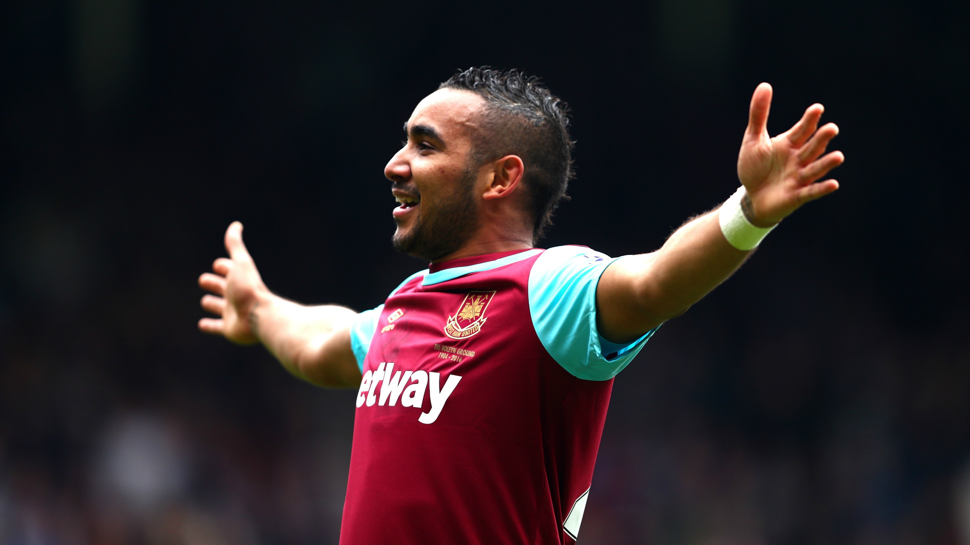 Payet 'bends it like Beckham', claims Hammers boss