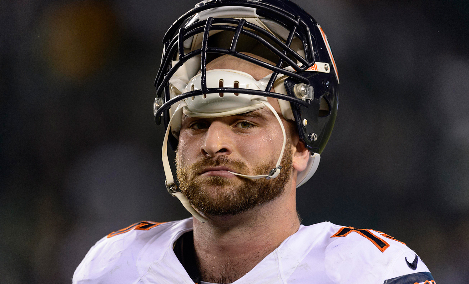 Kyle Long gets first career start at right tackle vs. Packers