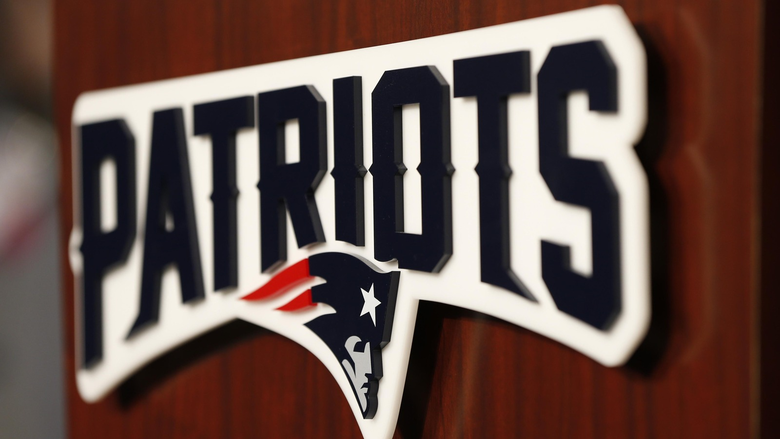 Patriots re-sign Ishmaa'ily Kitchen, waive Troy Hill
