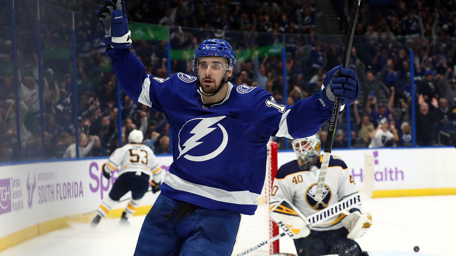Short-handed goals from Cedric Paquette, Ondrej Palat lead Lightning past Sabres