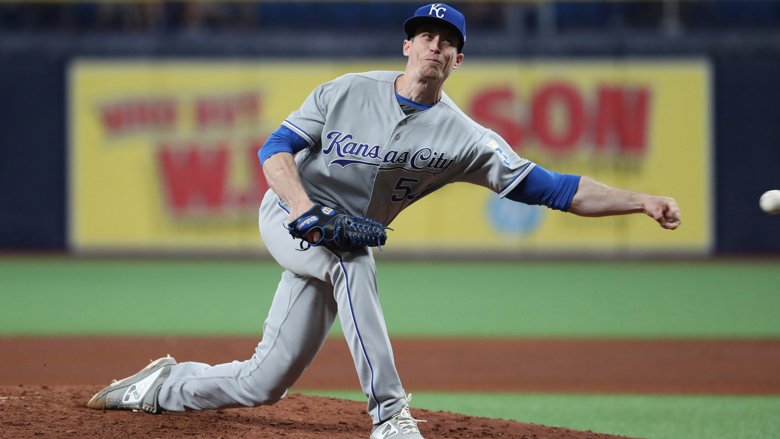 Royals option Tim Hill to Storm Chasers