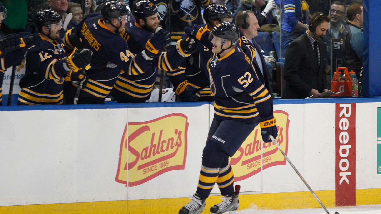 Ex-Gopher Fasching scores in first period of NHL debut