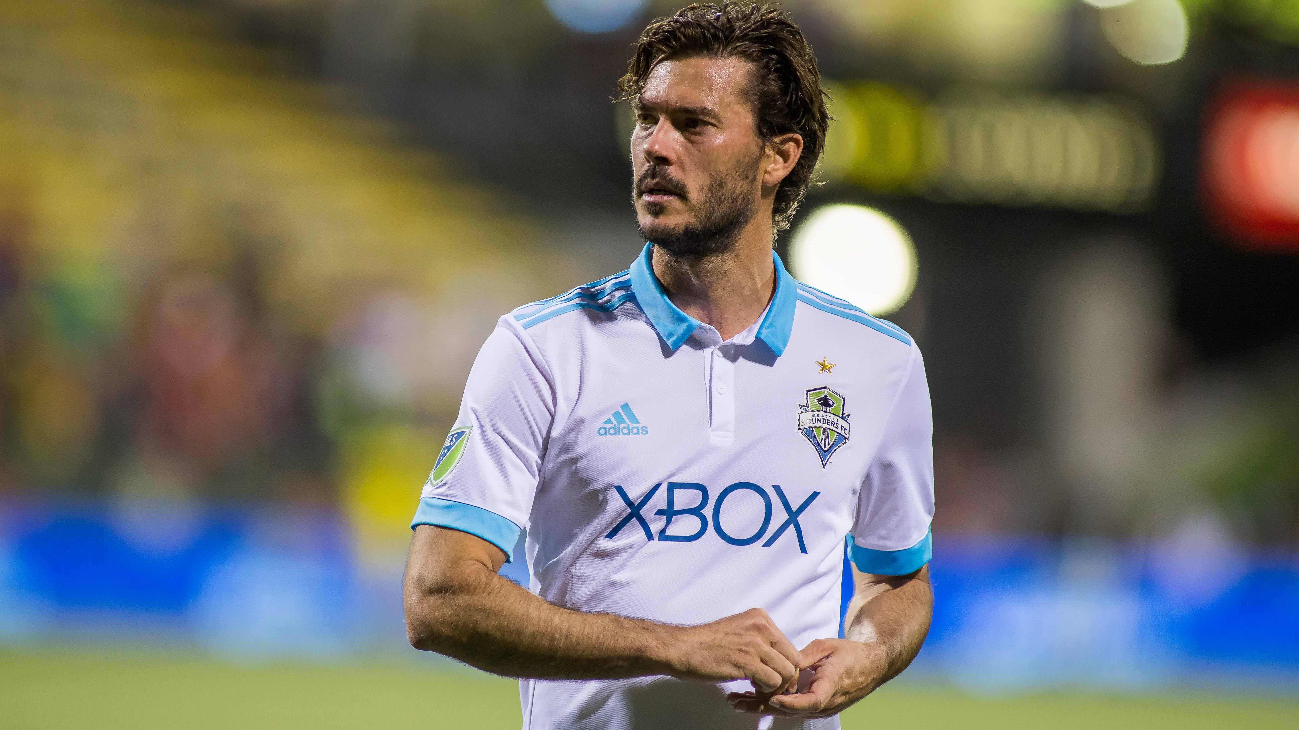 Sporting KC signs veteran defender/midfielderBrad Evans