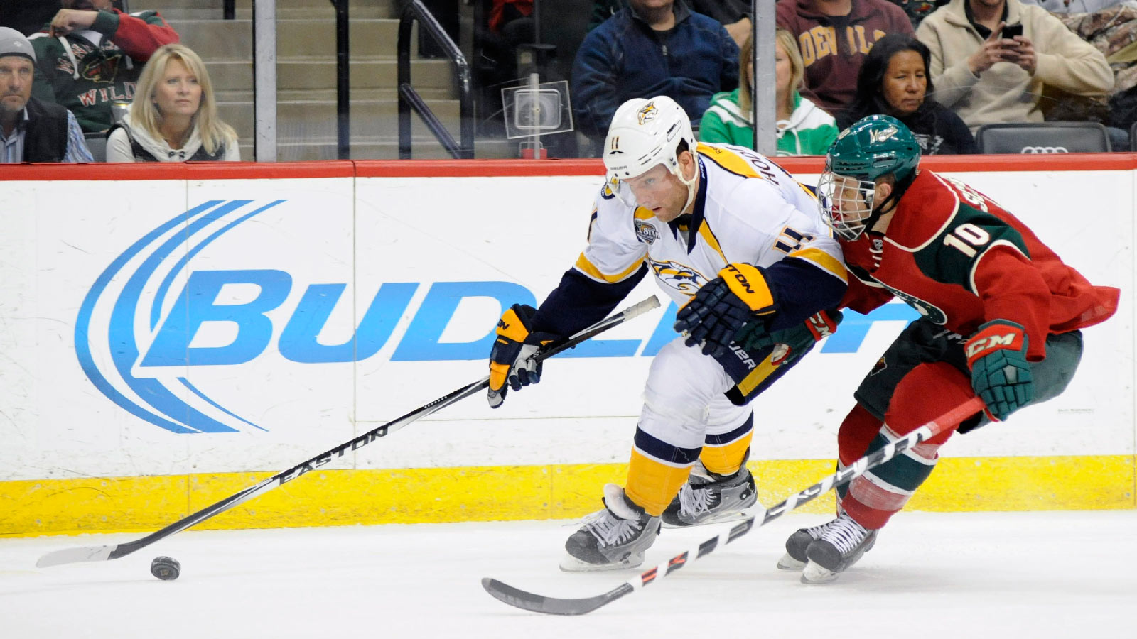 Dubnyk posts shutout, Wild get payback vs. Predators