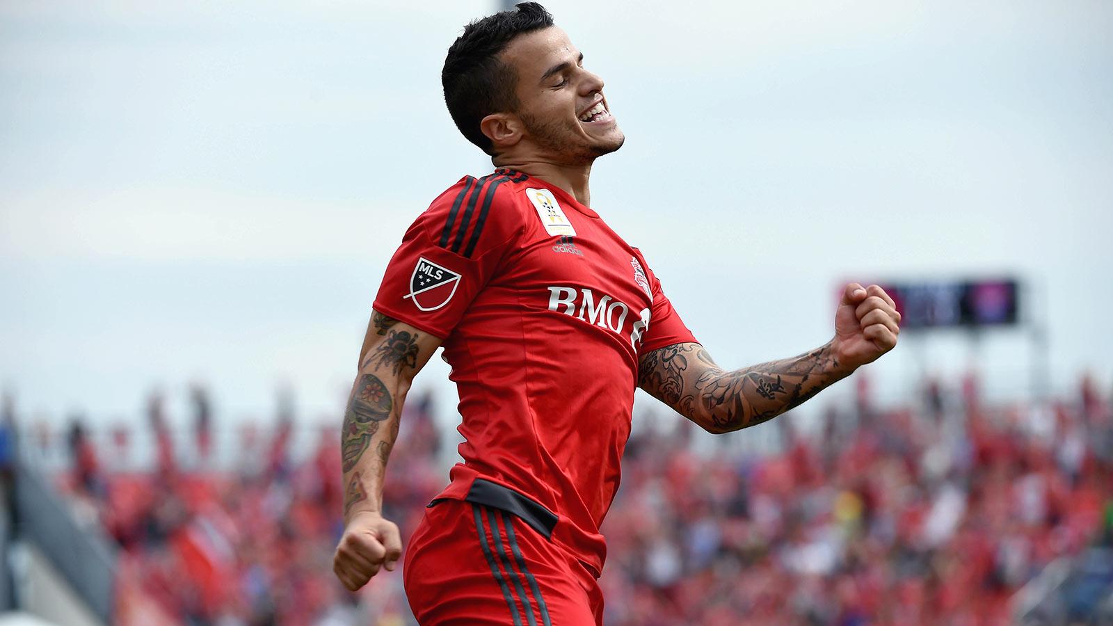 Giovinco breaks MLS single-season points record; Montreal top D.C. United
