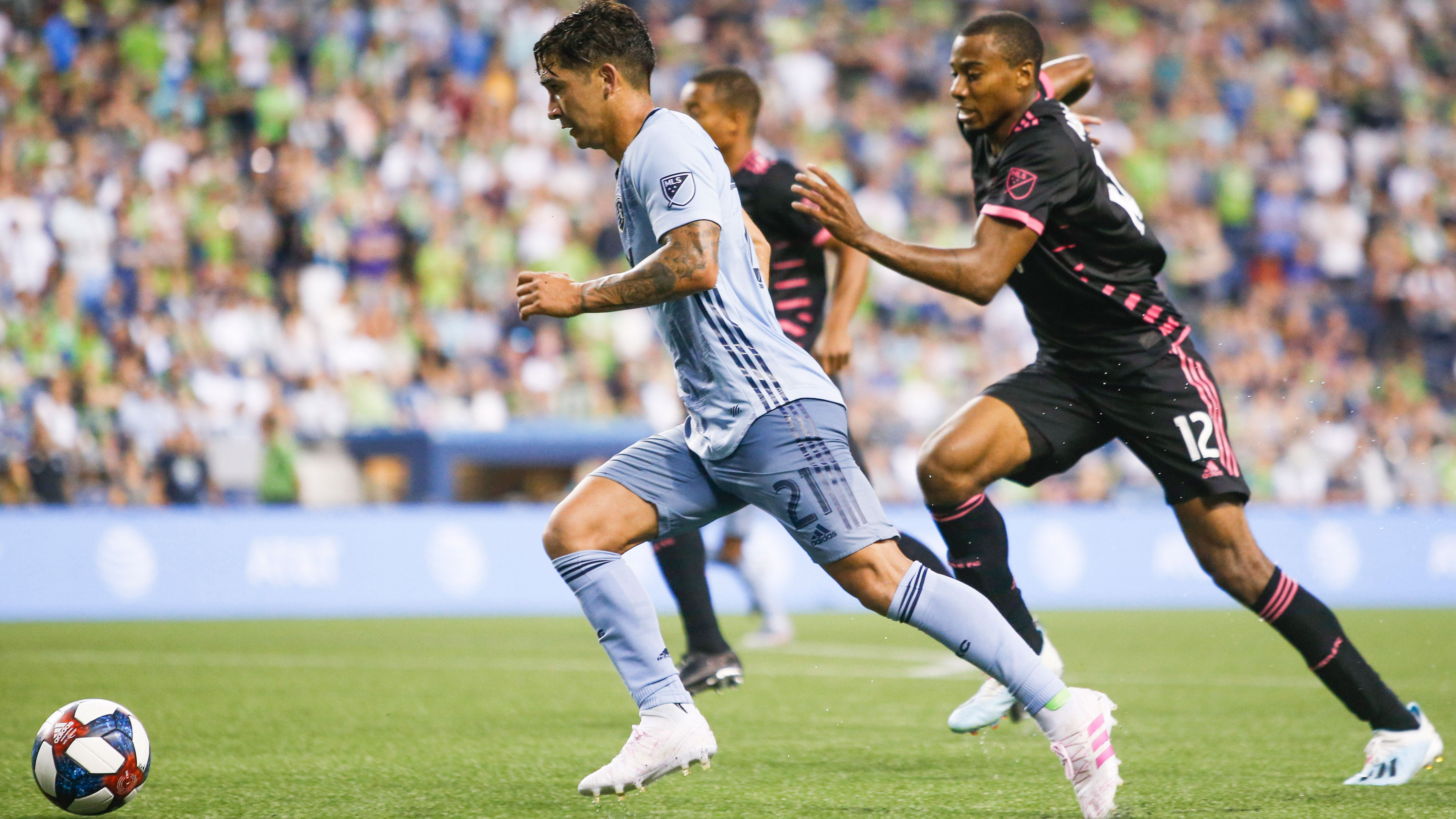 Gutierrez' two goals spark Sporting KC to 3-2 win at Seattle