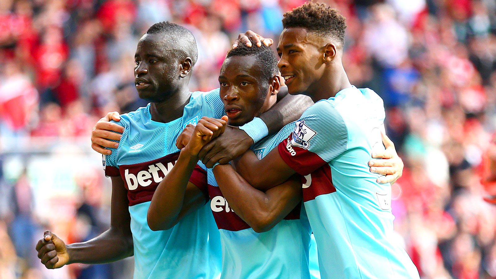 West Ham sink sorry Liverpool; Leicester remain unbeaten