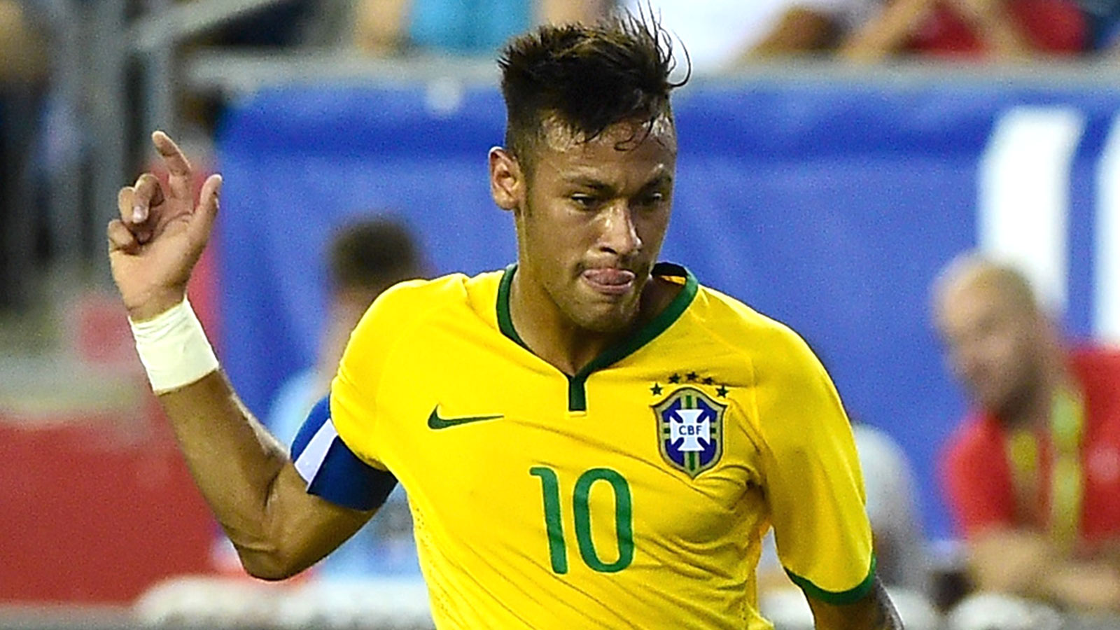 Brazil coach Dunga brings back Neymar for World Cup qualifiers