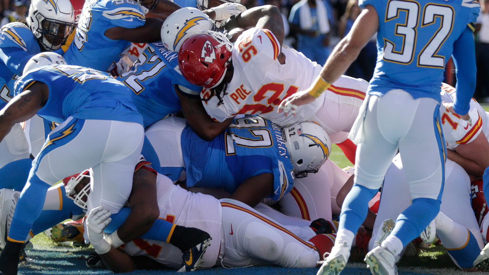 Poe's dive, Houston's pick-six highlight Chiefs' 33-3 romp over Chargers