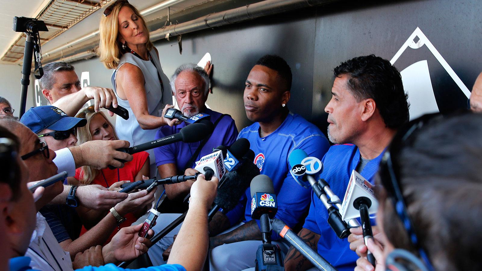 New Cubs closer Aroldis Chapman struggles with tough questions