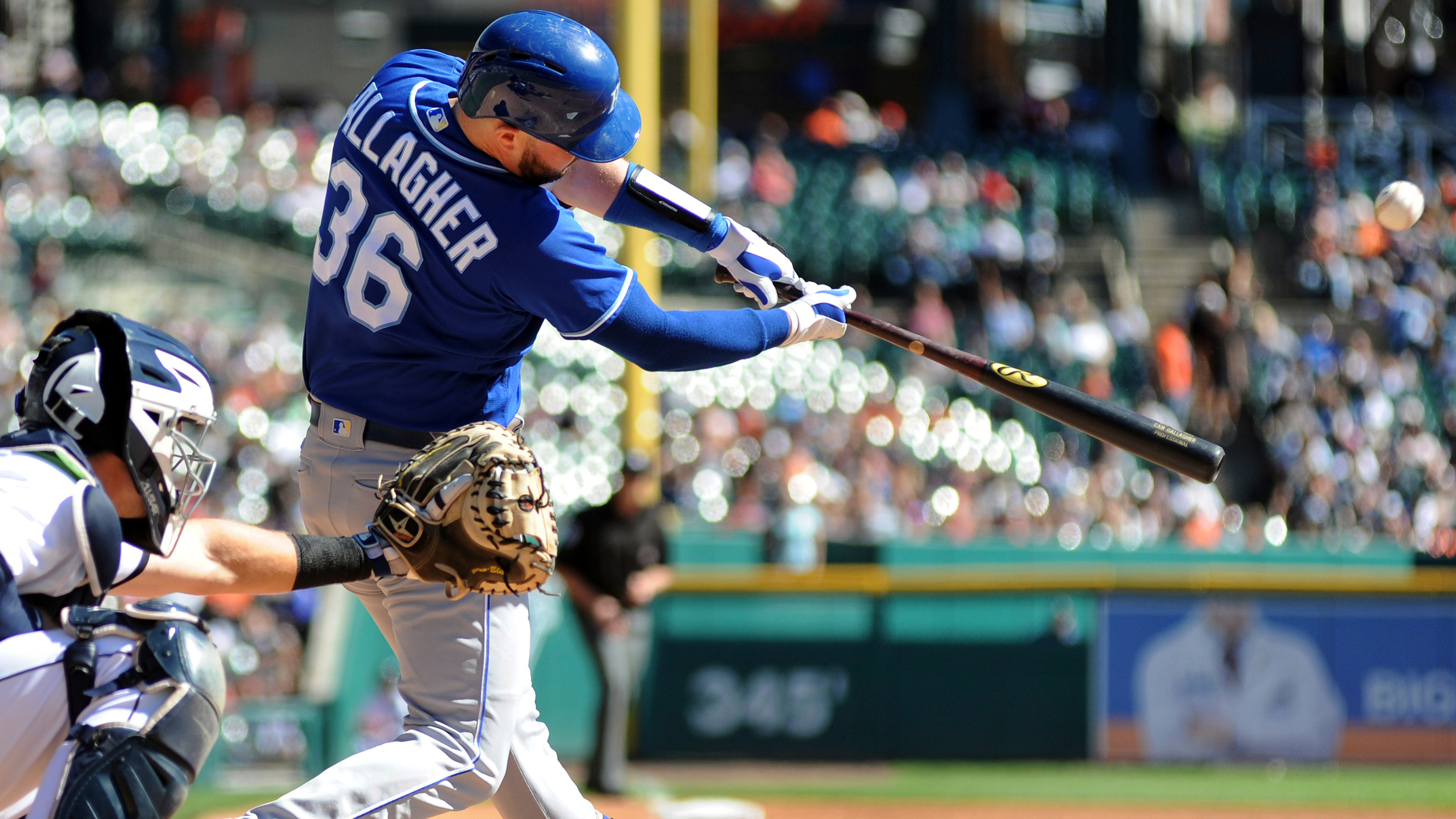 Gallagher's bloop hit backs Keller's strong start as Royals split series with Tigers