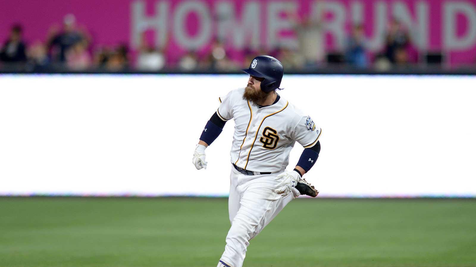 Padres top Pirates 5-4 behind 3 home runs