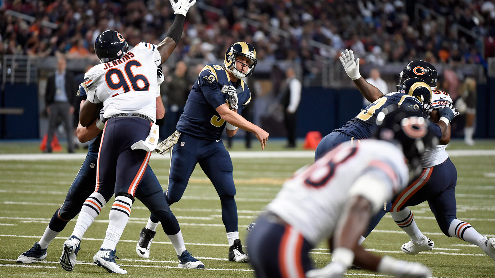 Foles under fire after Rams lose to Bears 37-13