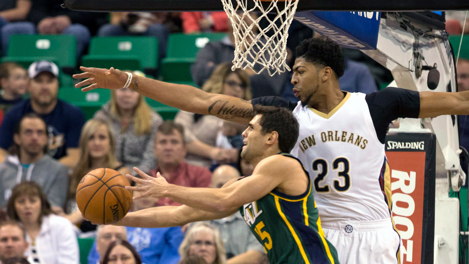 Pelicans rally in fourth quarter to beat Jazz 104-94