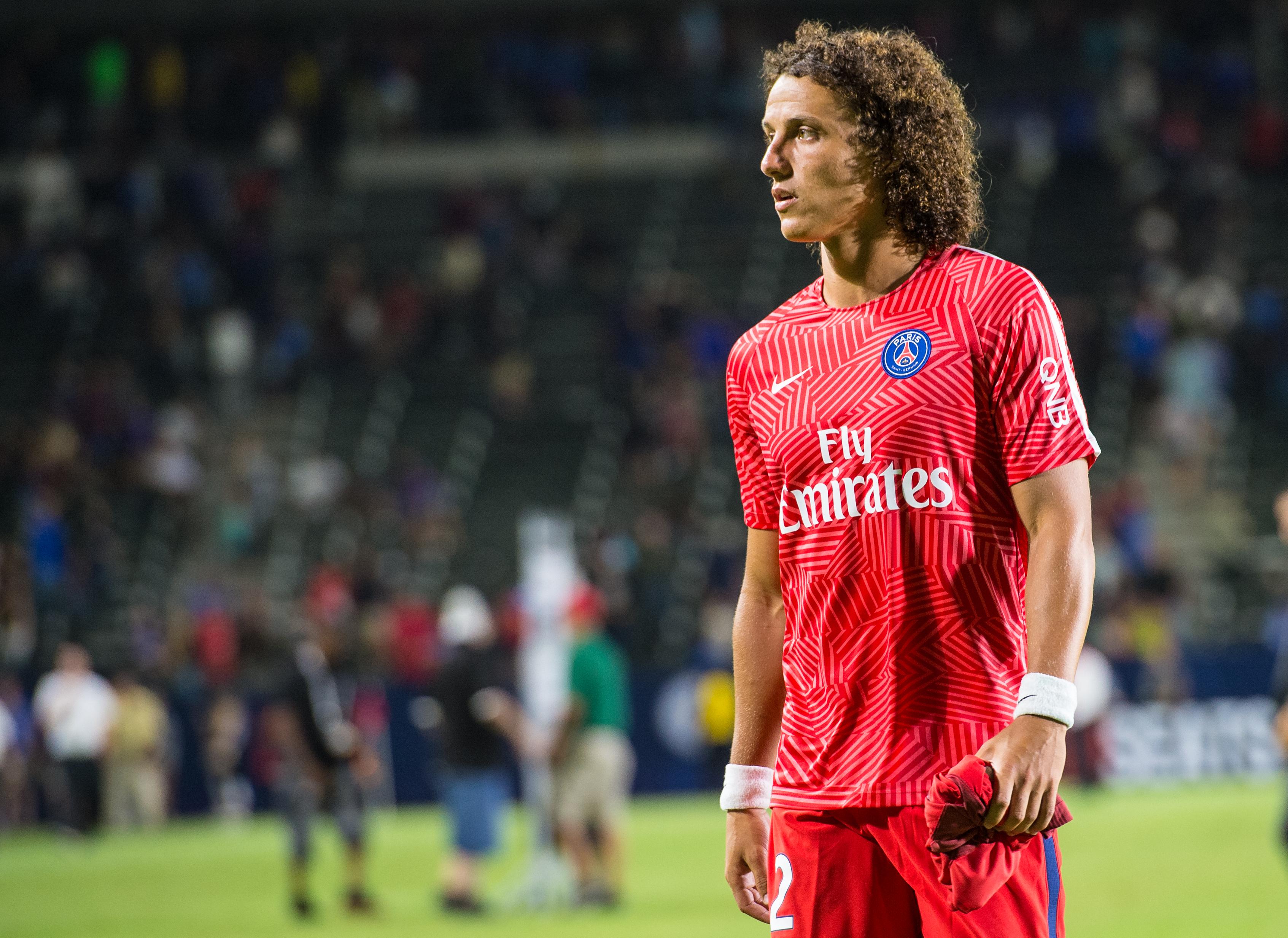 Chelsea are panicking with bid for David Luiz