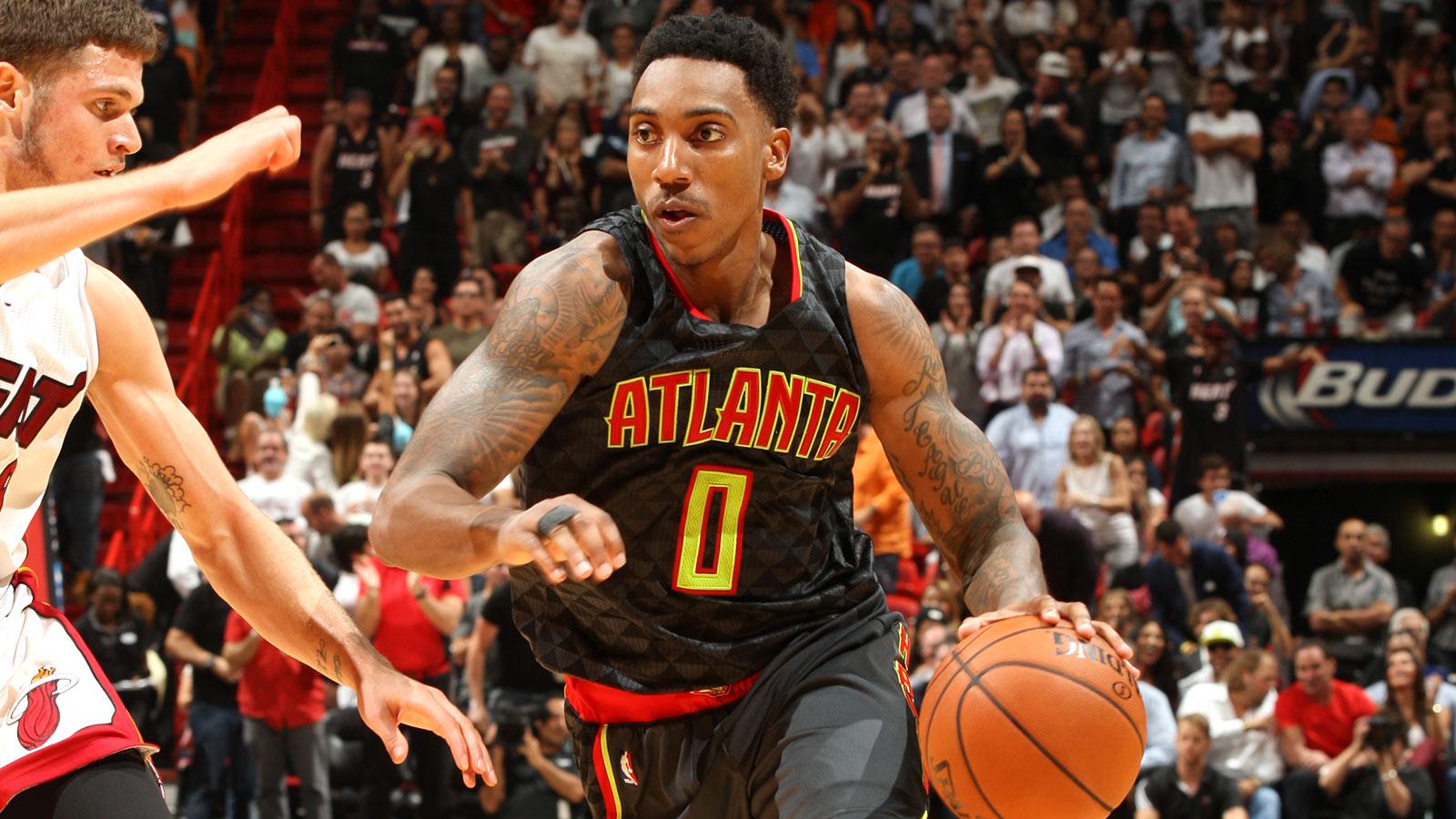 Teague picks apart Heat, leads Hawks to fourth straight win