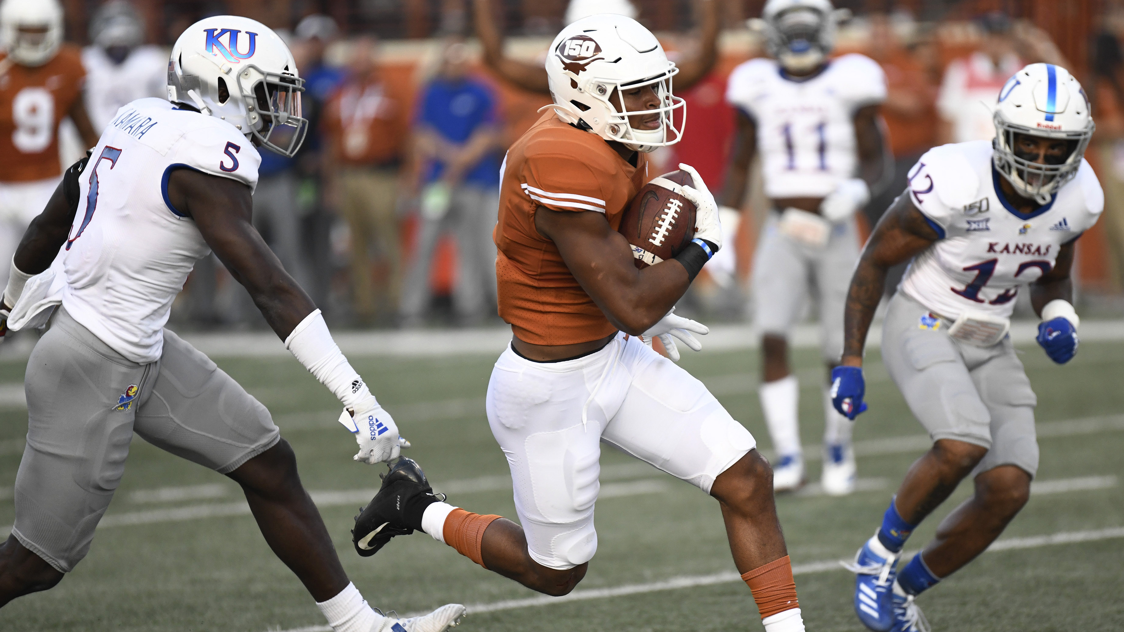 Kansas allows game-winning field goal as time expires, falls 50-48 to Texas