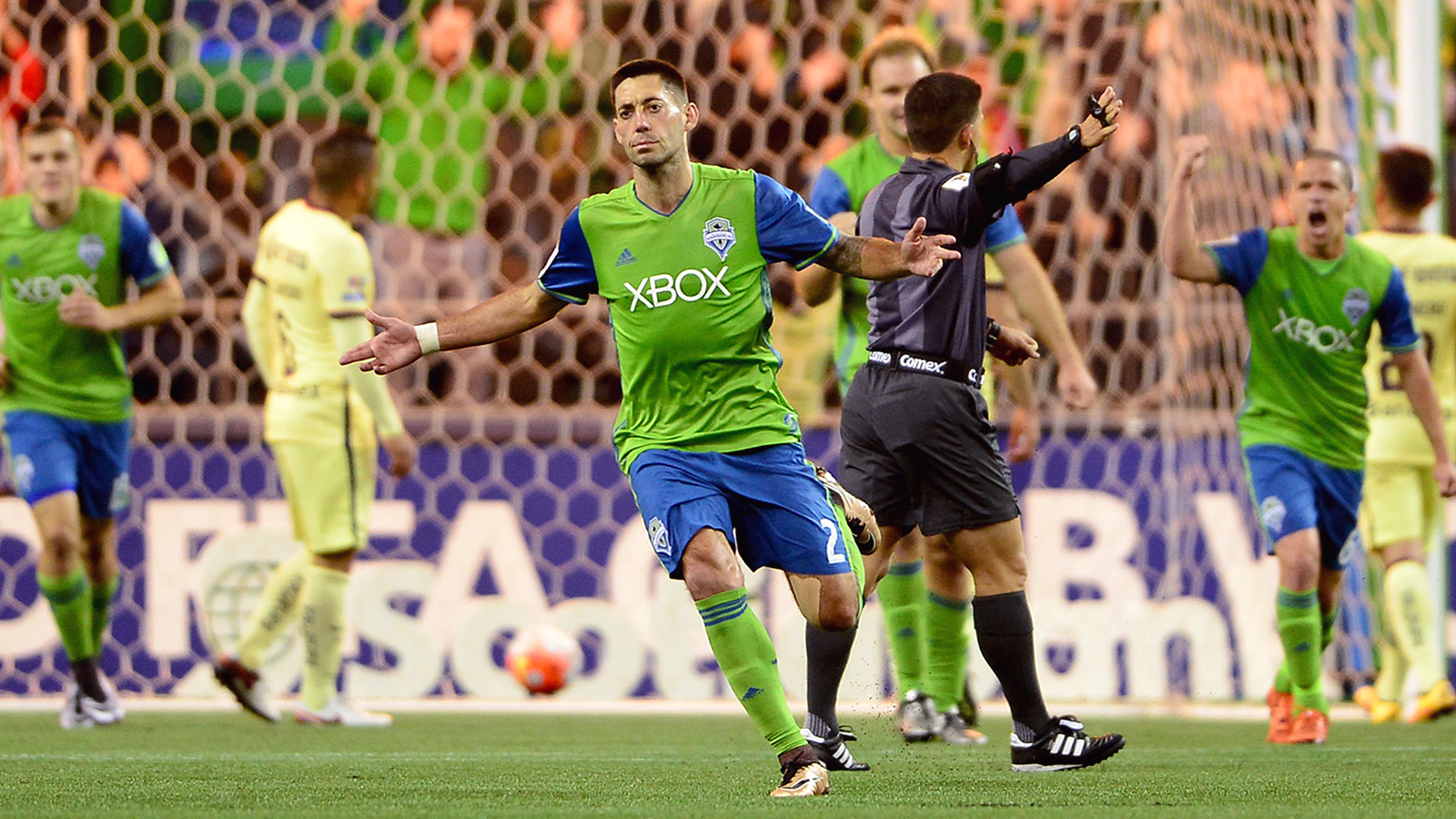 Peralta lifts Club América to pulsating draw in Seattle