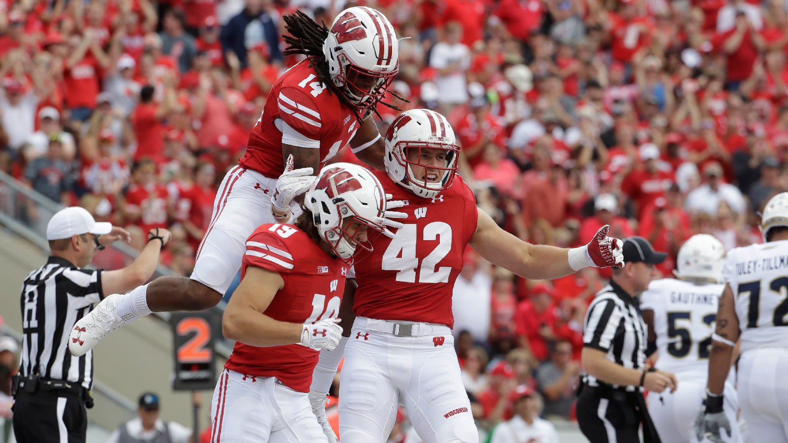 Badgers' defense stifling opponents through four games