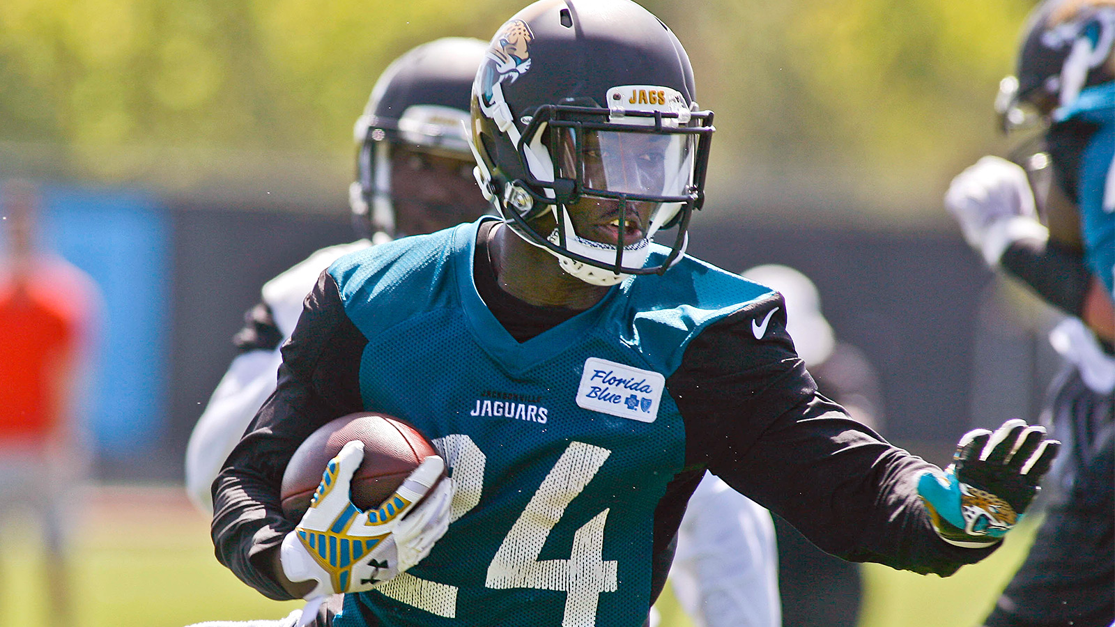Jaguars' Yeldon returns from injury, eager for NFL debut
