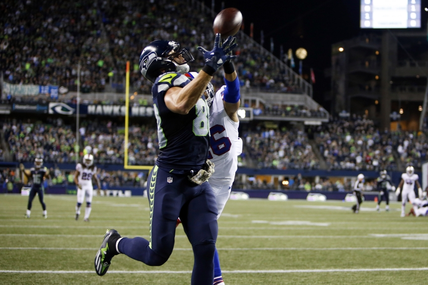 Jimmy Graham Makes Another Absurd One-Handed Touchdown Catch (Video)