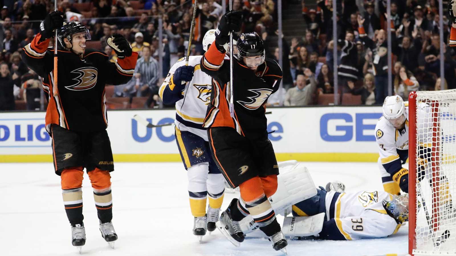 Silfverberg's 2 goals lead Ducks over Predators 6-1
