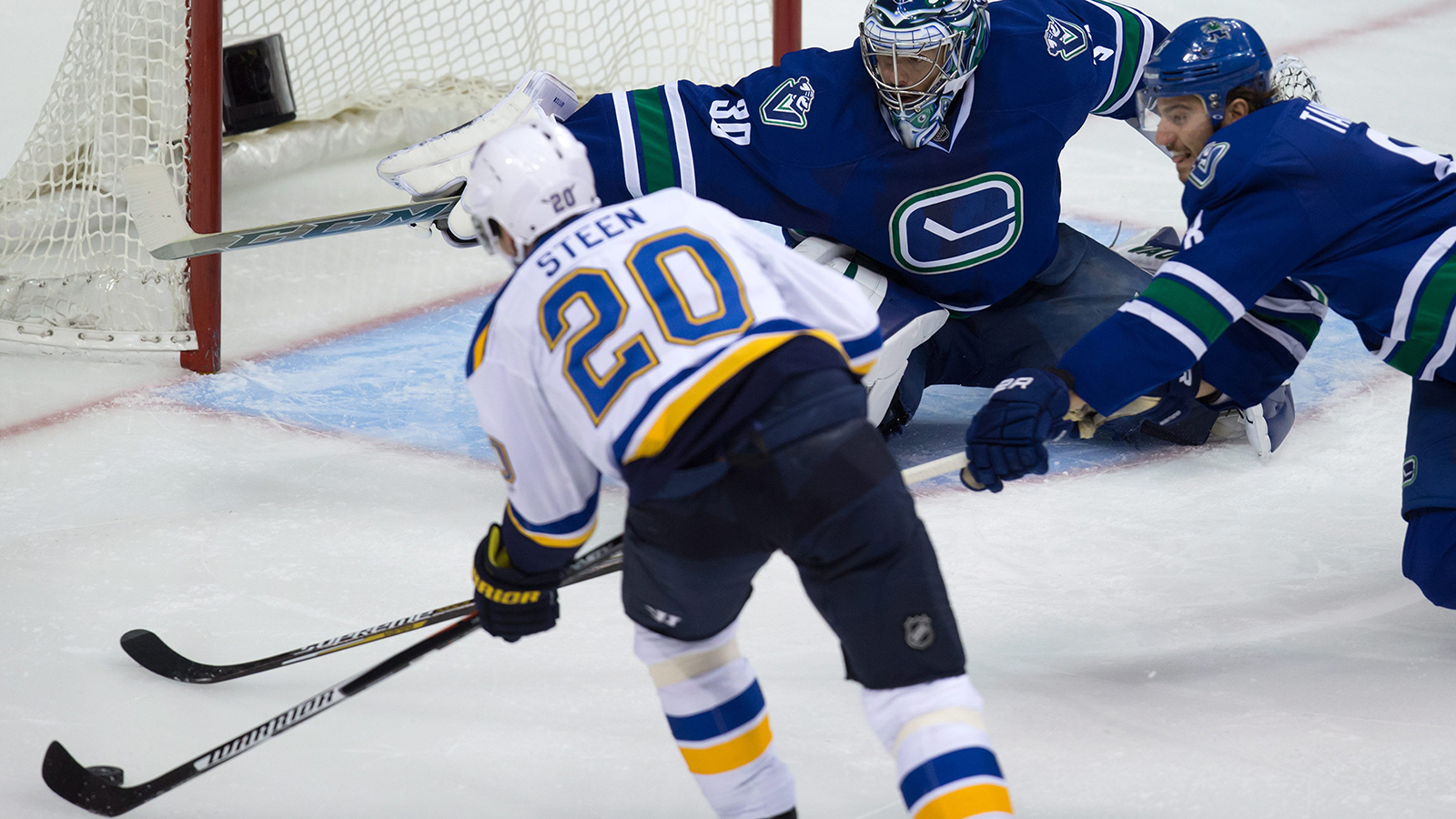 Steen leads the way as Blues survive late Canucks surge 4-3