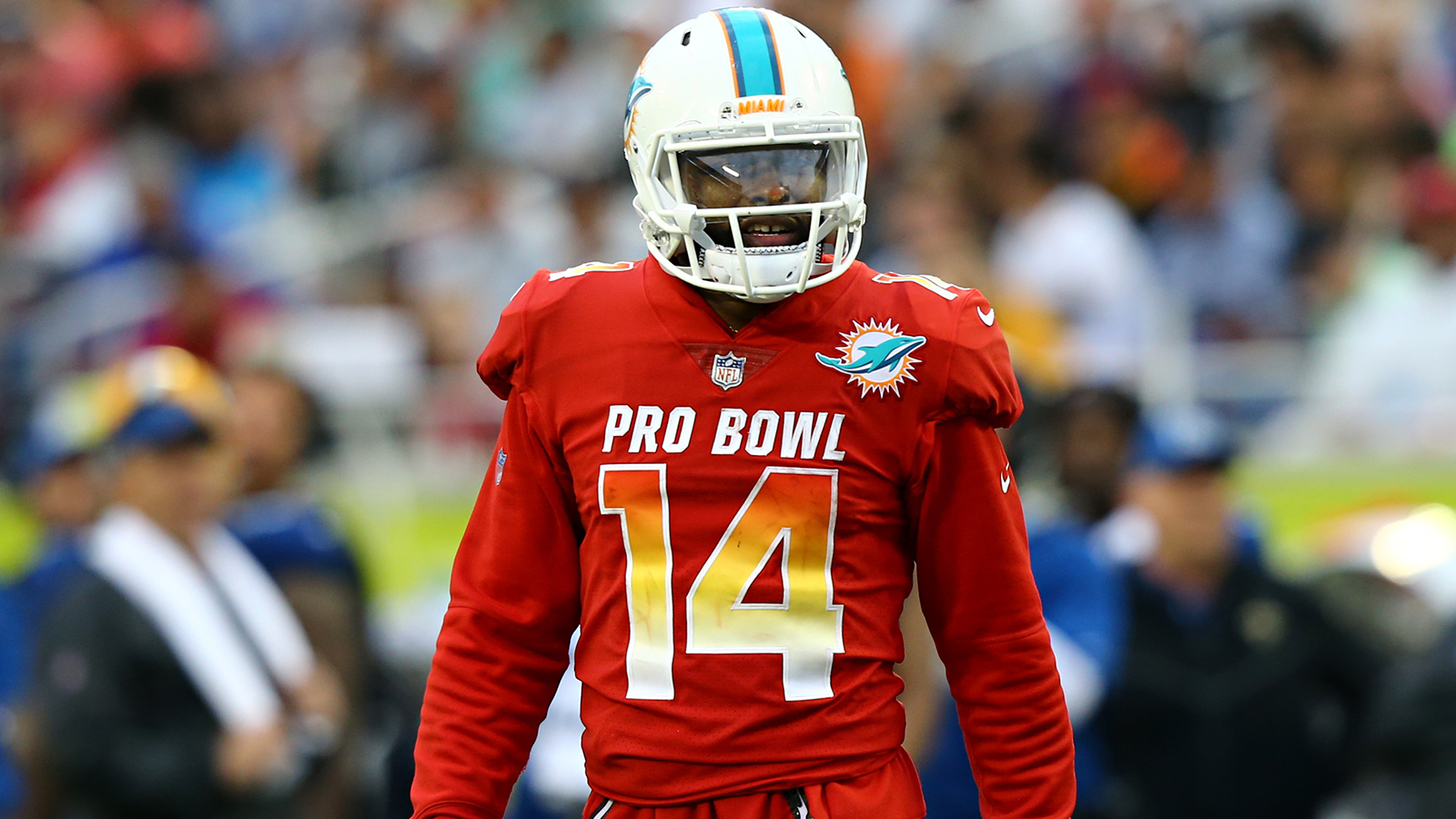 Dolphins use non-exclusive franchise tag on Pro Bowl WR Jarvis Landry