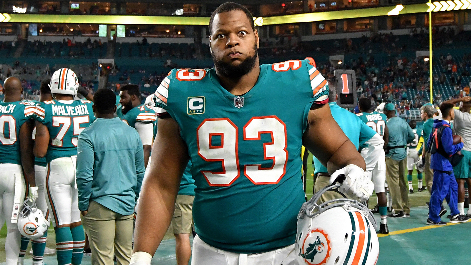 Dolphins may release Ndamukong Suh unless he agrees to restructured contract