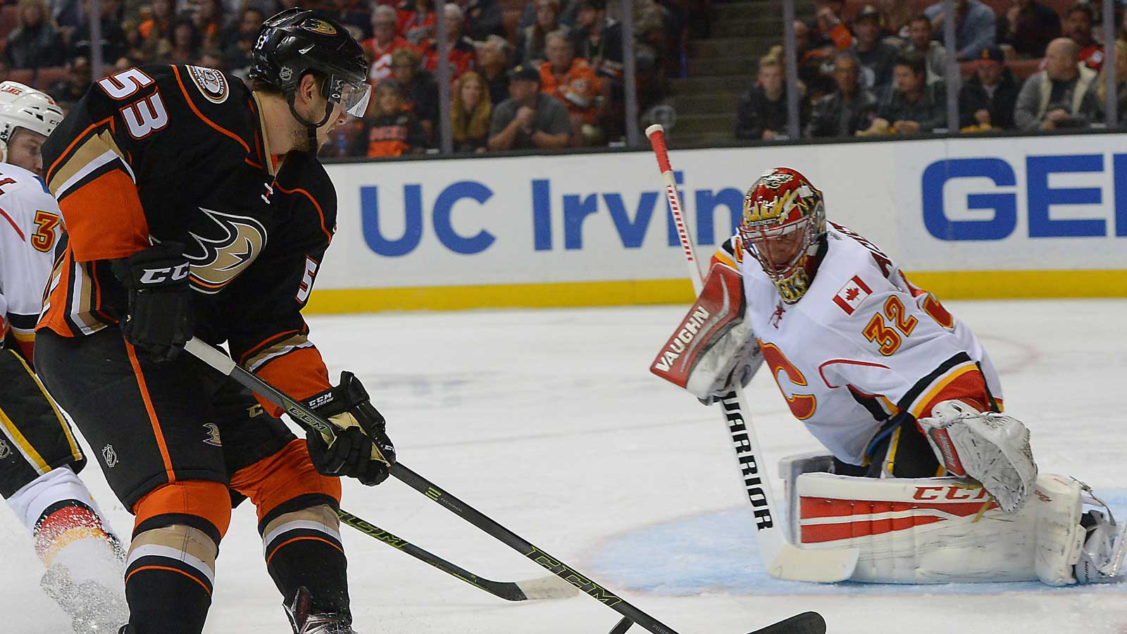Kesler and Silfverberg lead Ducks over Flames 8-3