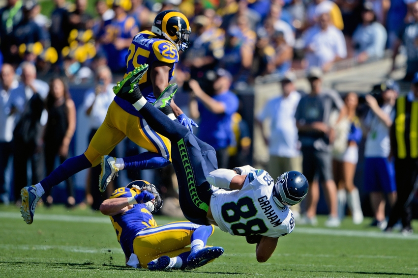 Seahawks need to use Jimmy Graham, or trade him