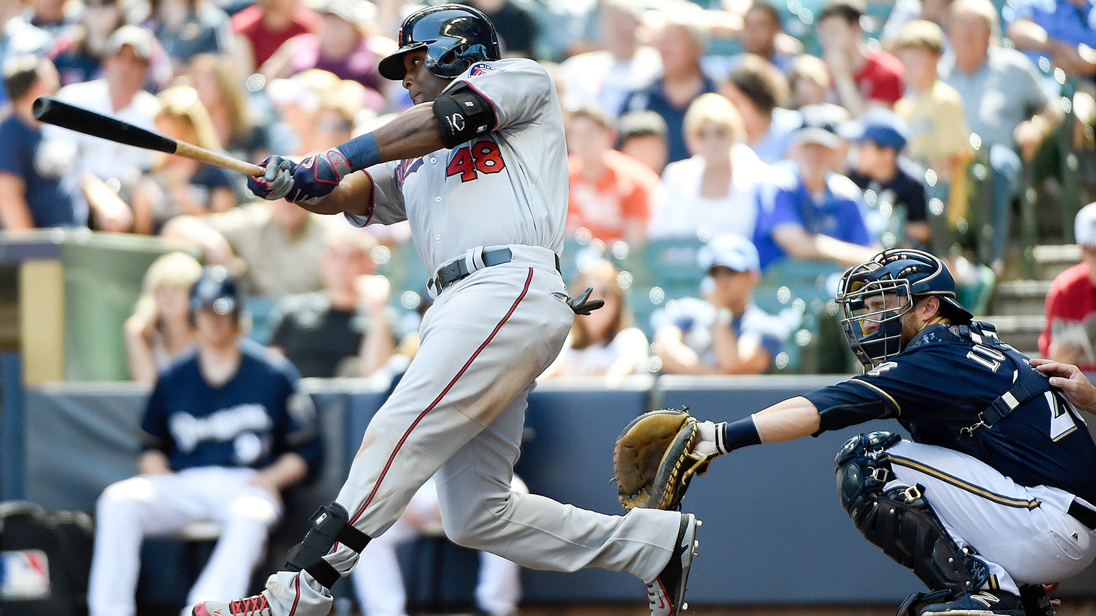 Hunter homers twice as Twins get better of Brewers