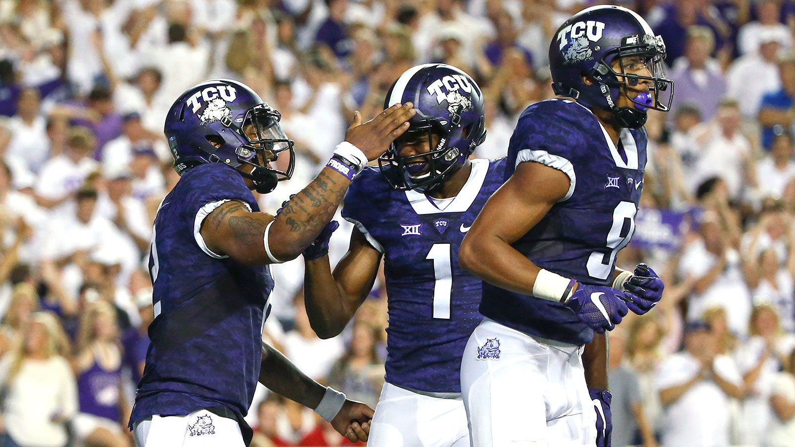Tcu Is Only School In Nation With 2 Semifinalists For Maxwell Award Fox Sports