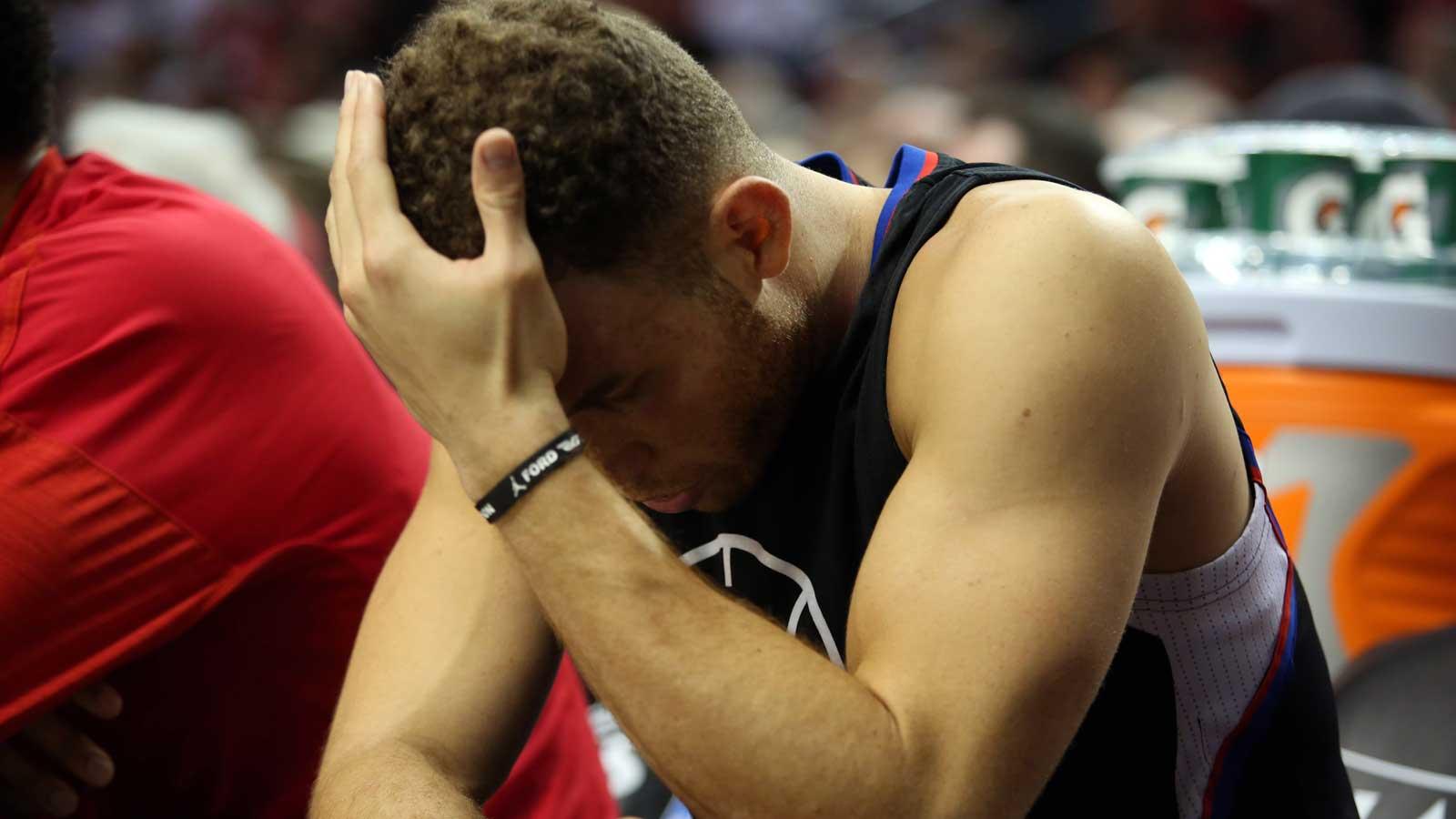 Blazers top Clippers as Chris Paul breaks hand
