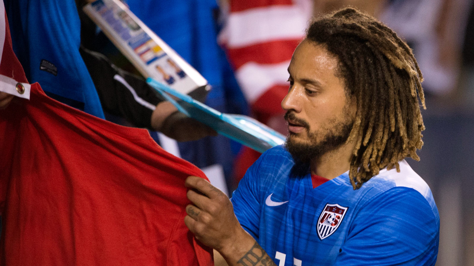 Jermaine Jones takes to Instagram in quest for new deal