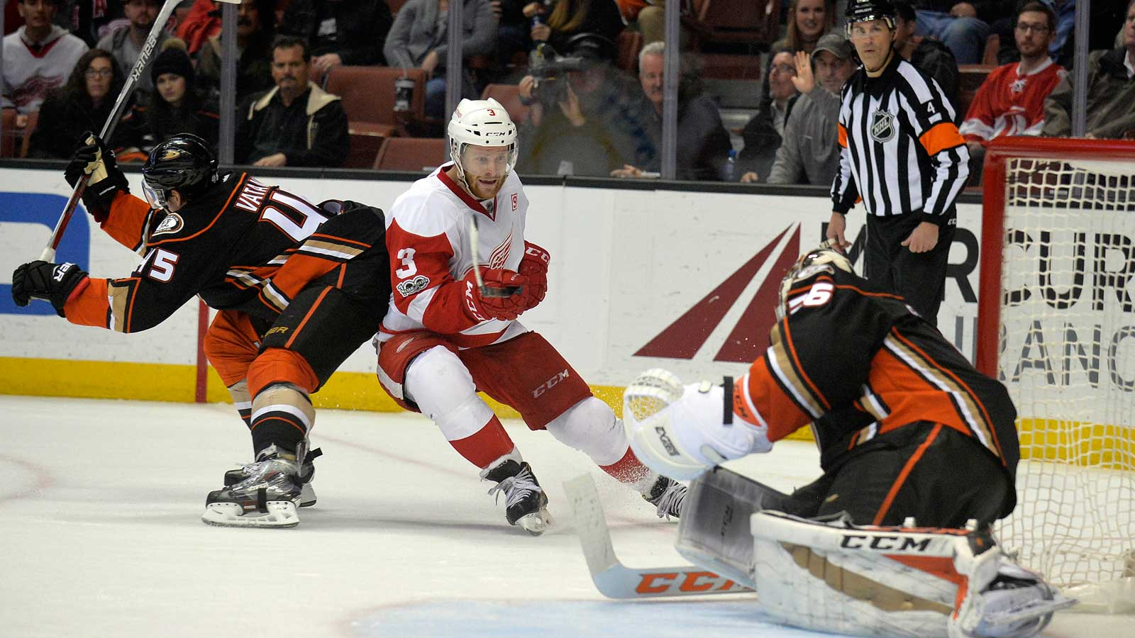 Gibson has 23 saves in Ducks 2-0 win over Red Wings