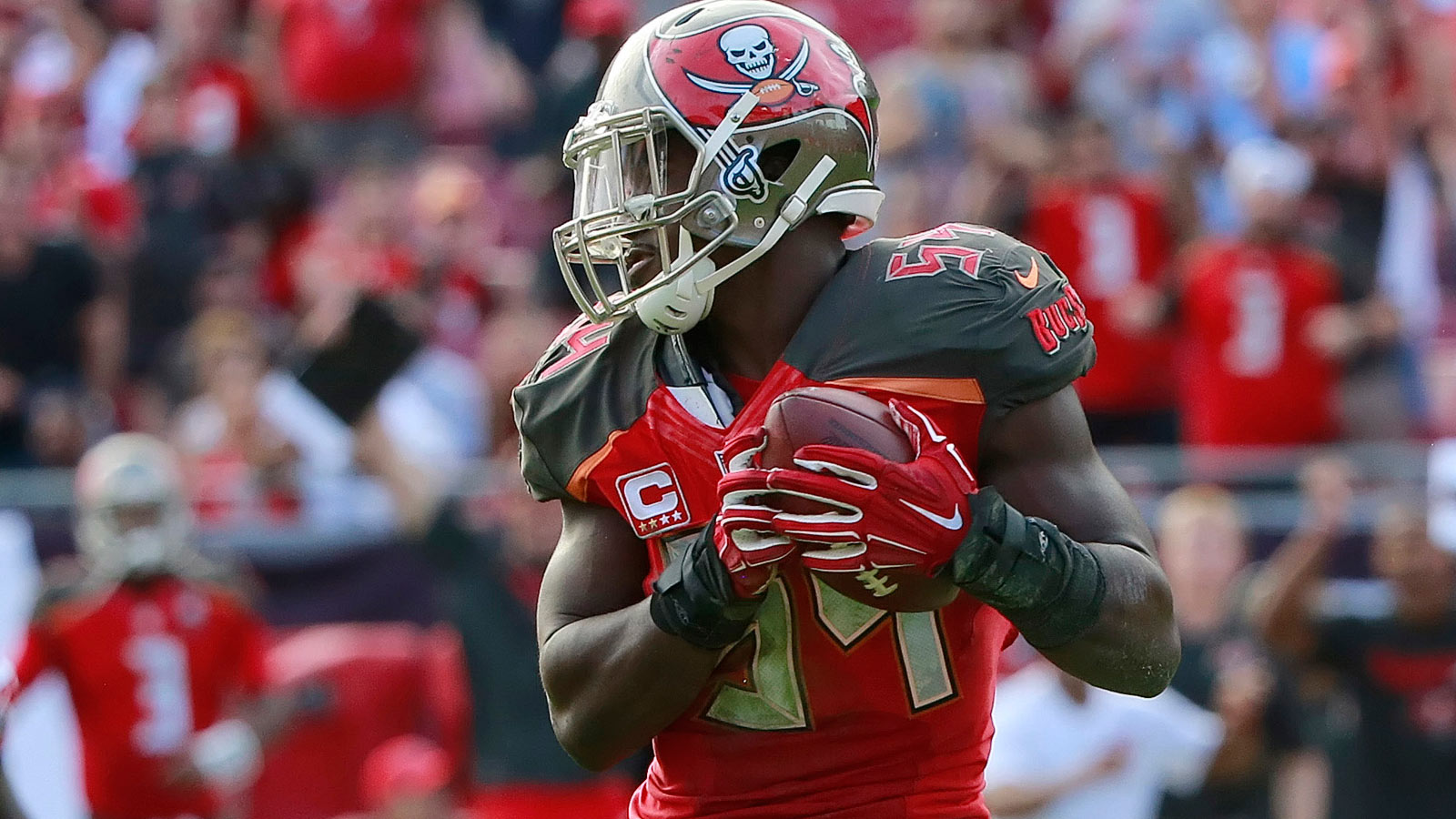 Buccaneers linebacker says Tampa Bay 'can be the best defense ever' in 2016