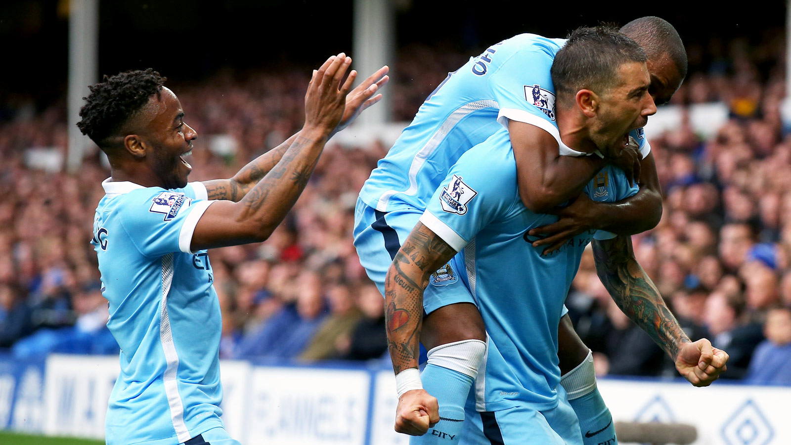 Manchester City stay perfect with decisive win over Everton