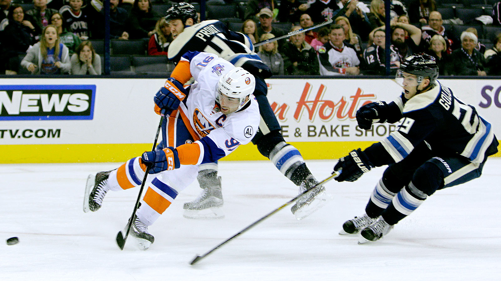 Surging Islanders' shutout drops struggling Blue Jackets to 0-7