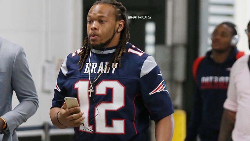 Patriots defender celebrates Tom Brady's return with unique pregame outfit