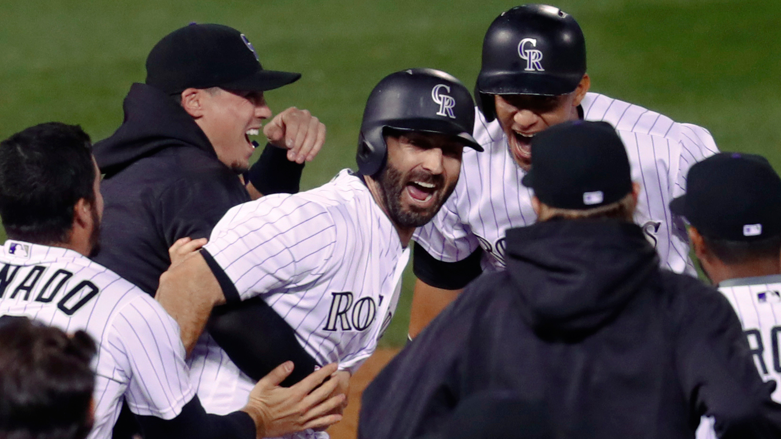 Padres no longer perfect in 9th, lose 8-7 to Rockies