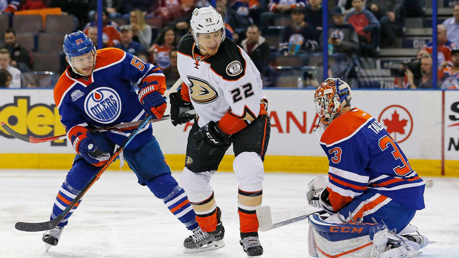 Ducks top Oilers 2-1