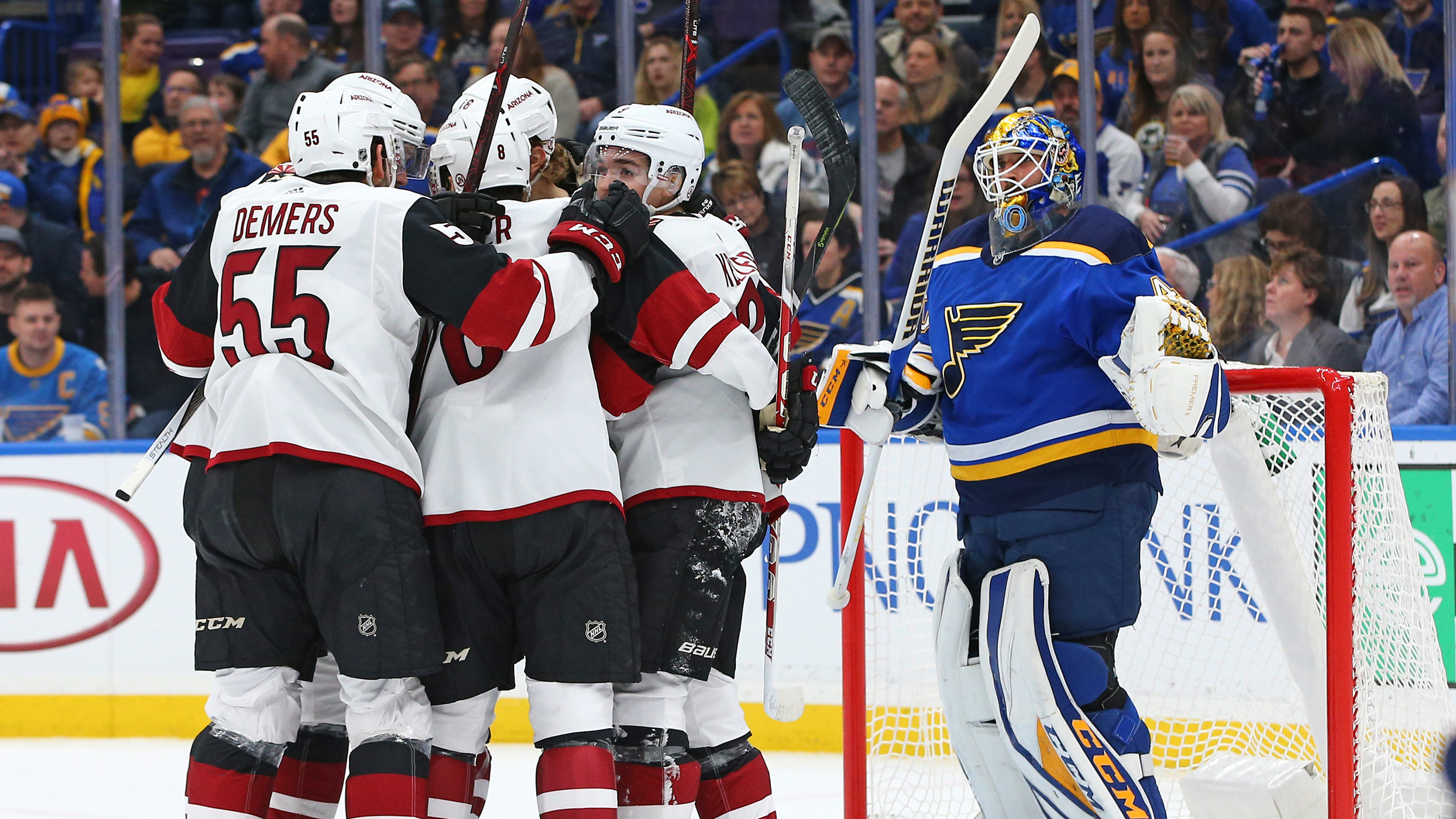 Hutton gets early hook as Blues suffer 5-2 loss to Coyotes