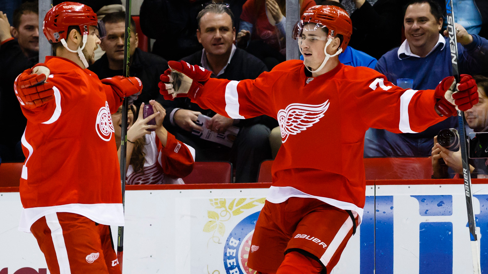 Wings try to extend point streak Tuesday