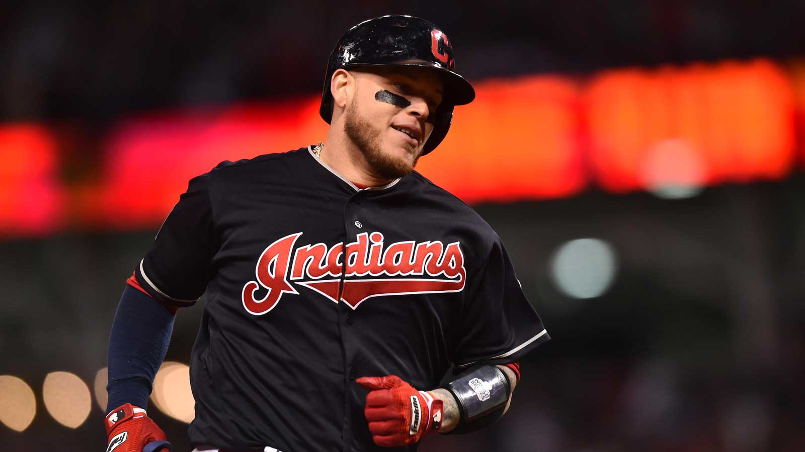 Twice as nice: Indians' Perez hits 2 homers in Series opener