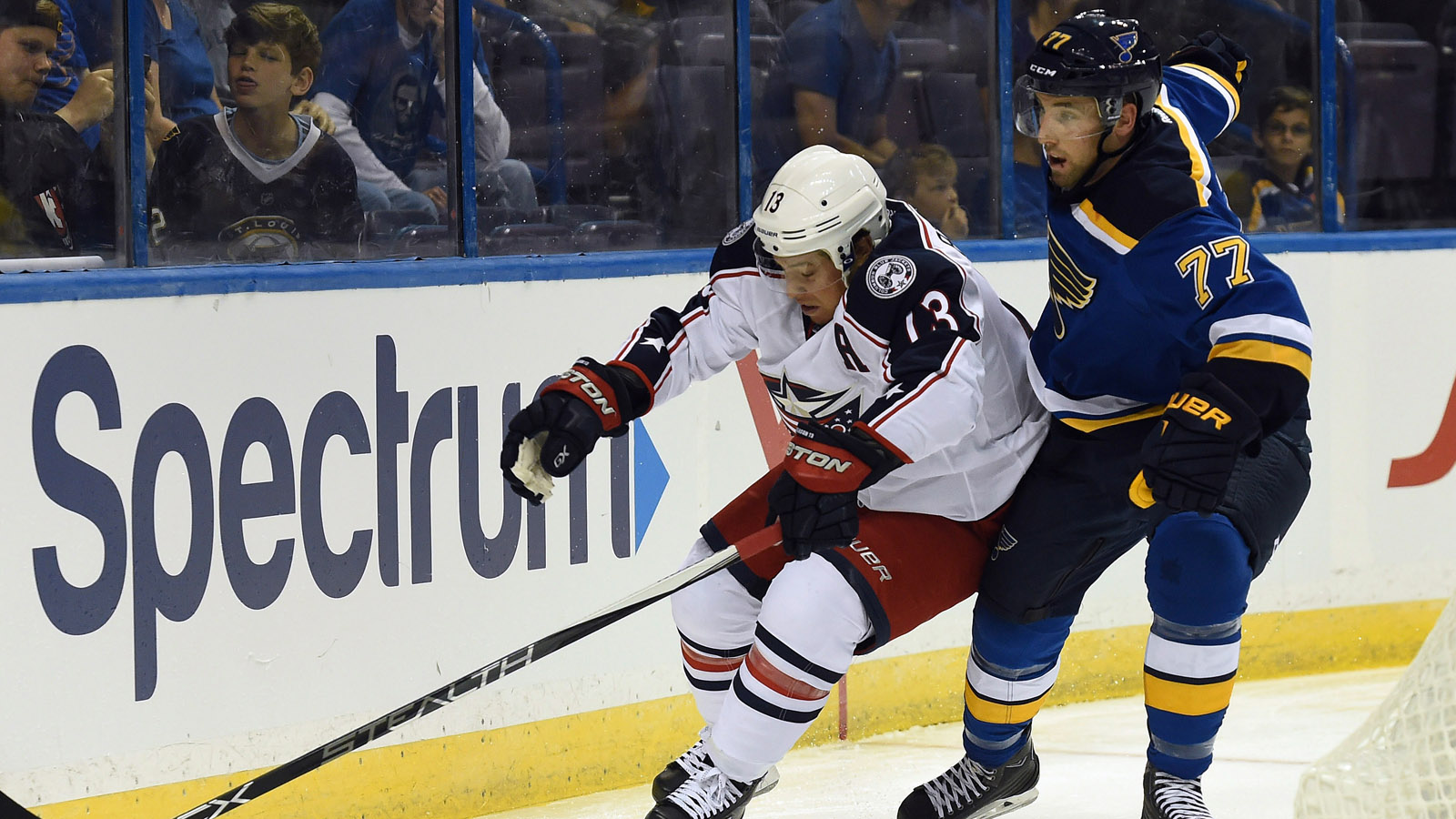 Blues recall AHL scoring leader Hunt from Wolves