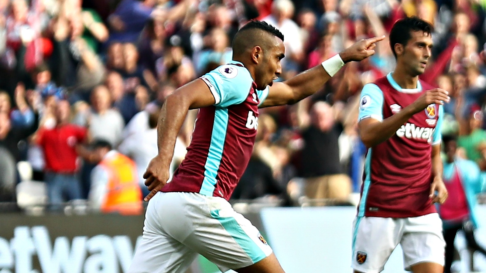Watch Dimitri Payet score a goal that was compared to Lionel Messi's