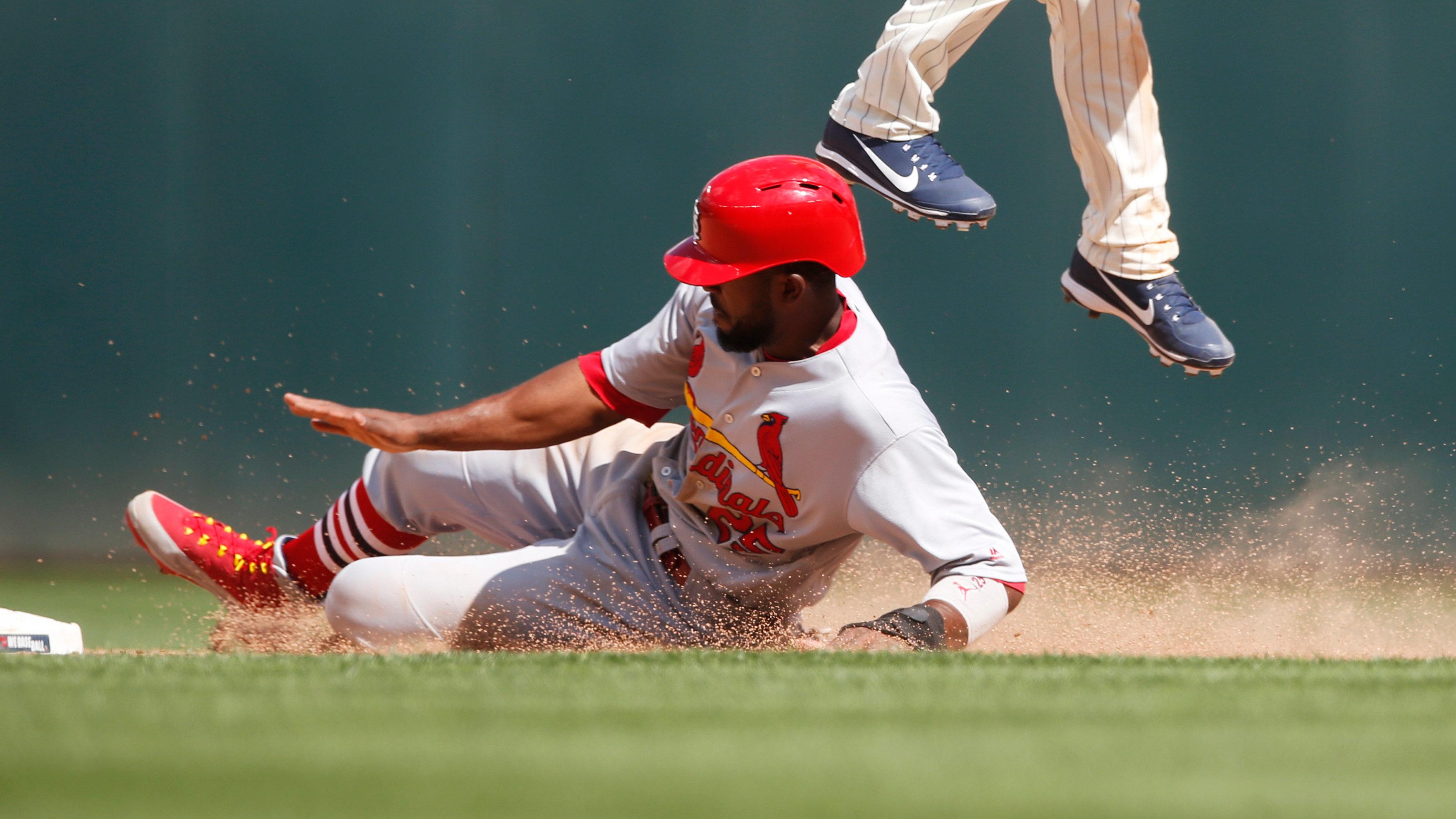 Cardinals transactions: Fowler back, O'Neill to DL, Bowman to Memphis